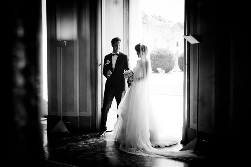 Fotografo di matrimonio a Milano, Chiesa S. Maria del Carmine a Brera. Ricevimento a Villa Borromeo. Michelino Studio, fotografo di matrimonio professionista.