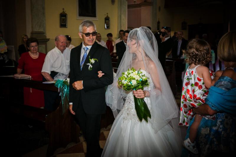 Fotografo di matrimonio Torre di Mosto. Ricevimento Villa Correr Agazzi Trash the Dress sul lungomare di Caorle. Michelino Studio, fotografo di matrimonio professionista in Veneto.