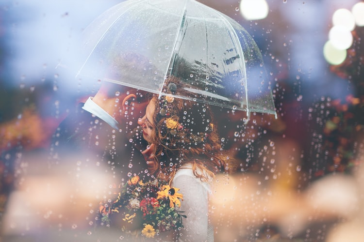 Matrimonio con la pioggia? Basta non arrivare impreparata