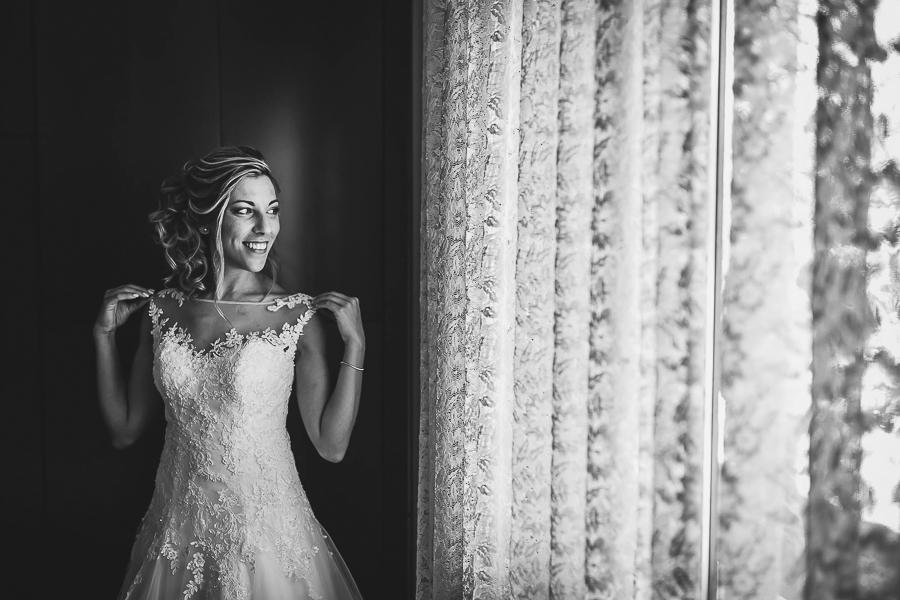 Servizio fotografico di matrimonio a Treviso, Villa Revedin. Dettaglio sulla sposa. Il Blog di Michelino Studio, Fotografo di matrimonio Treviso.