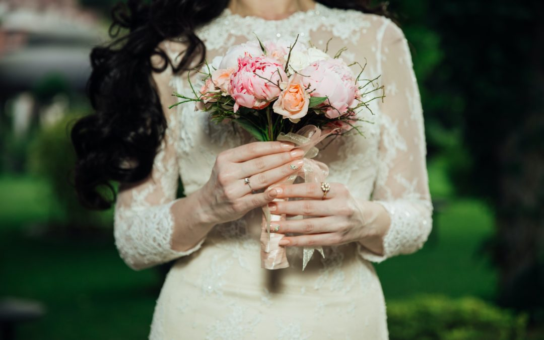 Scelta dell'abito di nozze: meglio corto o lungo?