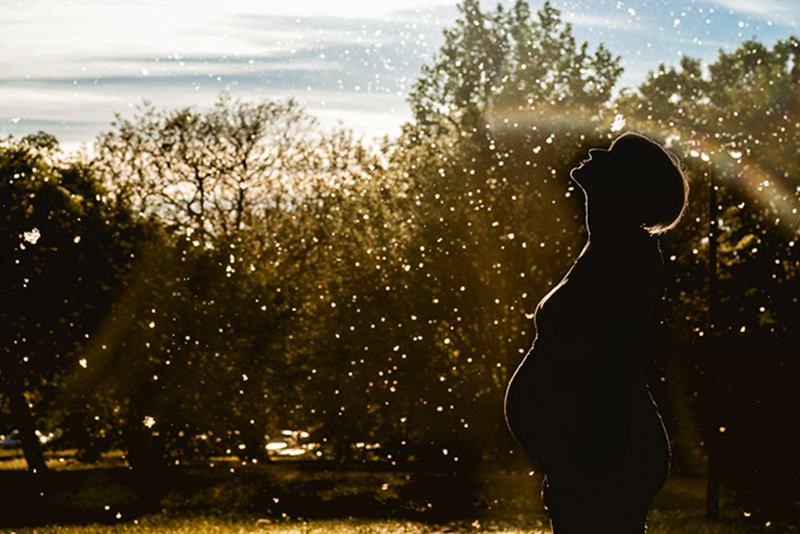 Servizio fotografico di gravidanza.